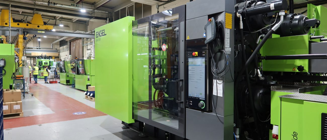 Injection Moulding Full Width